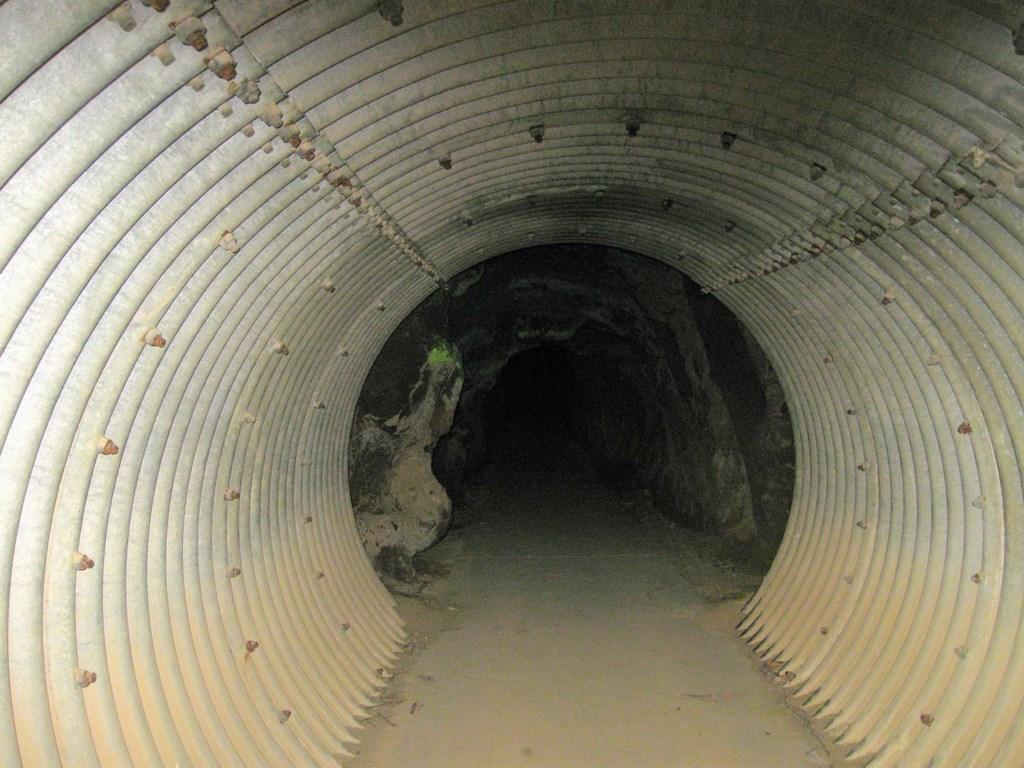 岩谷隧道内